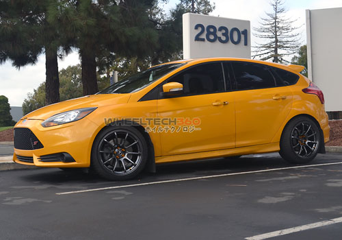 Ford Focus ST with Rota G-Force Wheels 18 x 9.5